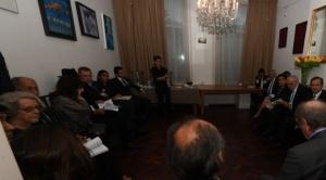 Ante el silencio del Gobierno, diputados piden informe sobre gastos realizados ante La Haya