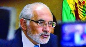 """Mesa pide acatar el fallo, """"aunque nos parece injusto"""", y encarar el """"futuro con Chile"""""""