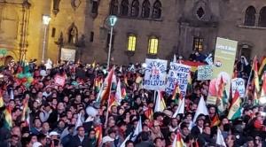 Cabildo en La Paz exige que Evo y García Linera renuncien a la repostulación