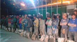 Policía aprehende a 25 ladrones de minerales después de enfrentamientos en Huanuni
