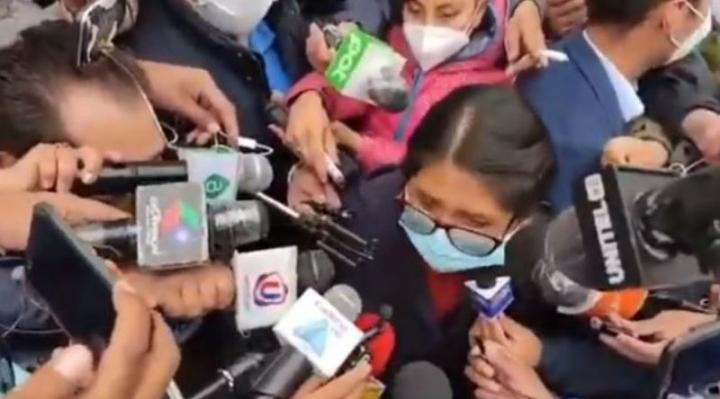 Copa fue abucheada tras emitir su voto, la Policía tuvo que protegerla