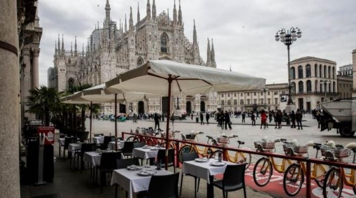 Italia endurece restricciones por nuevo récord de casos: cierran cines y gimnasios y restaurantes atenderán hasta las 18
