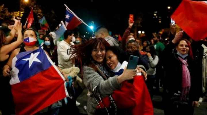 Chile aprueba por abrumadora mayoría cambiar la Constitución de Pinochet: ¿qué pasa ahora y por qué es un hito mundial?