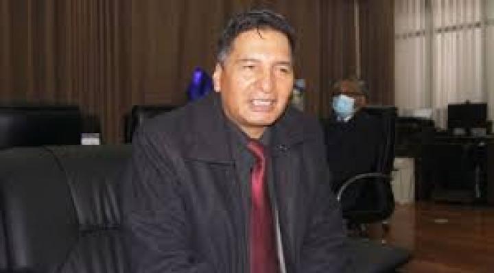 """Ministro de Educación califica de """"exabrupto y show mediático"""" a las denuncias de Tejada"""