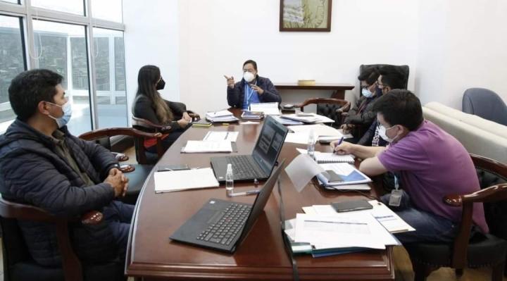Arce anuncia la reactivación de la inversión pública para generar empleos