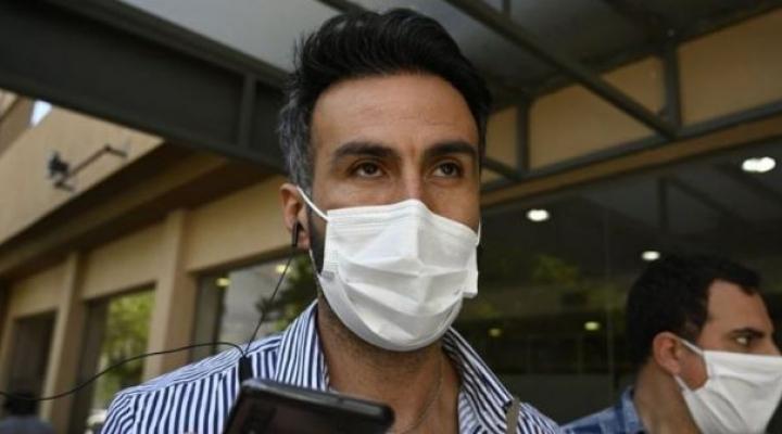 Muerte de Maradona: allanan la casa y el consultorio de Leopoldo Luque, el médico de cabecera del futbolista