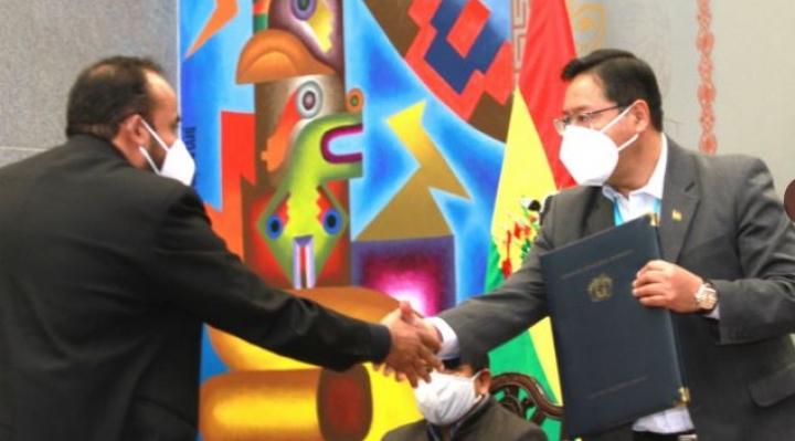 """Arce pide a la """"población vacunable"""" que """"aguante"""" hasta que lleguen las vacunas"""