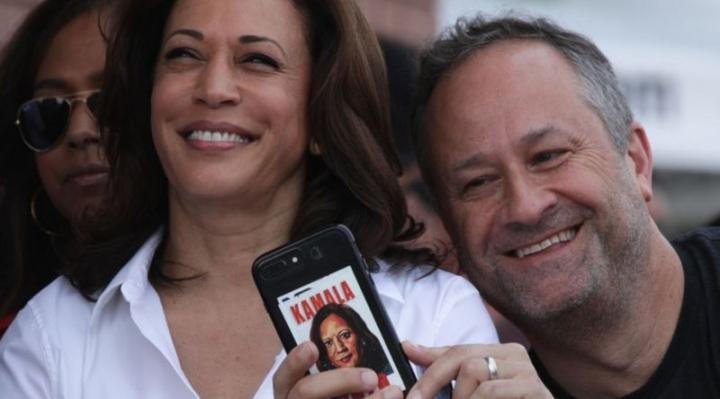 """Quién es Doug Emhoff, esposo de Kamala Harris y primer """"segundo caballero"""" de Estados Unidos"""