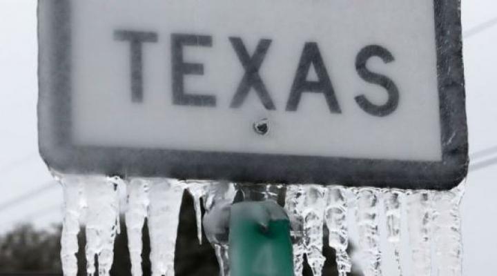 Tormenta invernal en Texas: cómo en el estado que más energía produce de EEUU millones de personas se quedaron sin electricidad