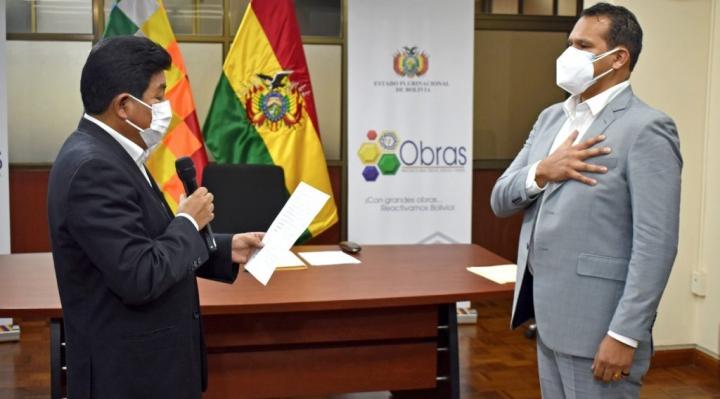 Néstor Ríos es posesionado en el cargo de director de la ATT