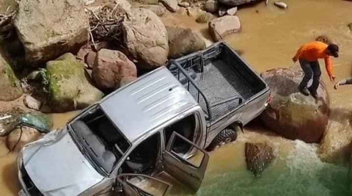 Dos vehículos del Órgano Electoral sufren accidentes en La Paz y Chuquisaca