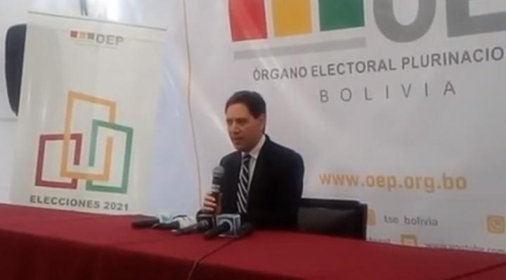 El TSE y la Fiscalía afirman que la primera media jornada de votación se desarrolló con normalidad