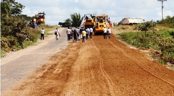 Falta de obras en un tramo impide concluir la Doble Vía La Paz-Santa Cruz