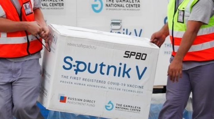 Argentina comenzará a producir 500 mil vacunas Sputnik V y proveerá también a Bolivia