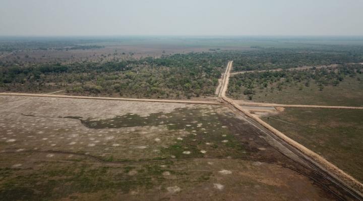 Planta arrocera que opera sin licencia ambiental a orillas de la Laguna Suárez podría ser removida
