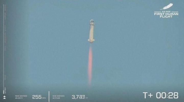 Jeff Bezos: cómo fue el viaje de 11 minutos al espacio del multimillonario