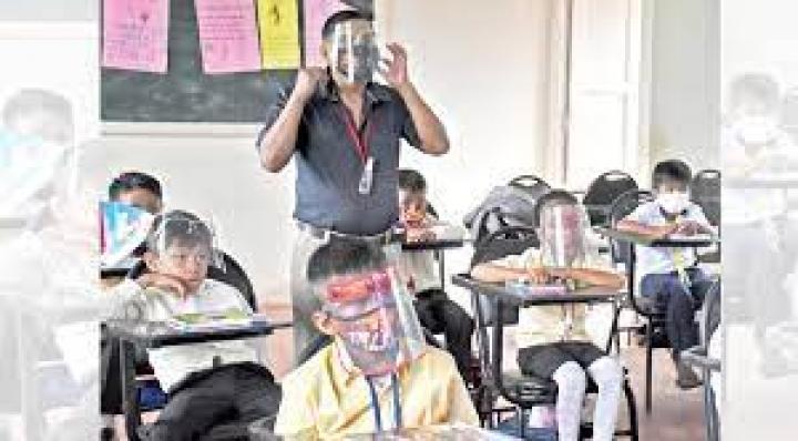 """Educación: retorno a clases presenciales en urbes esta """"complicado"""" por variante Delta"""