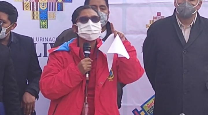 El Alto arranca la vacunación con reclamos al gobierno central por la falta de coordinación