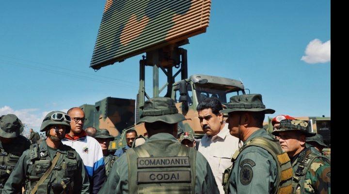 """Evo llama al mundo a no """"ser responsables de una guerra entre hermanos"""" por Venezuela"""
