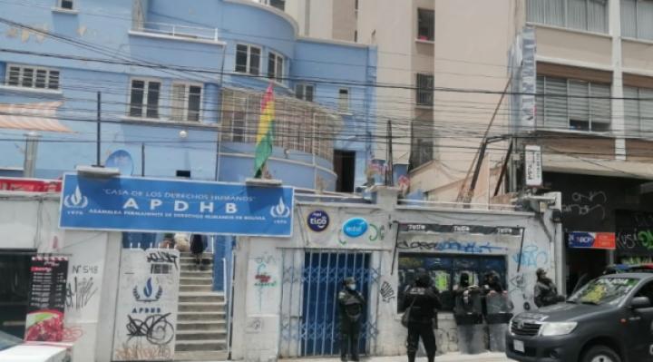 APDHB tomará acciones preventivas ante amenaza de quema de sus instalaciones y pide a la Policía investigar