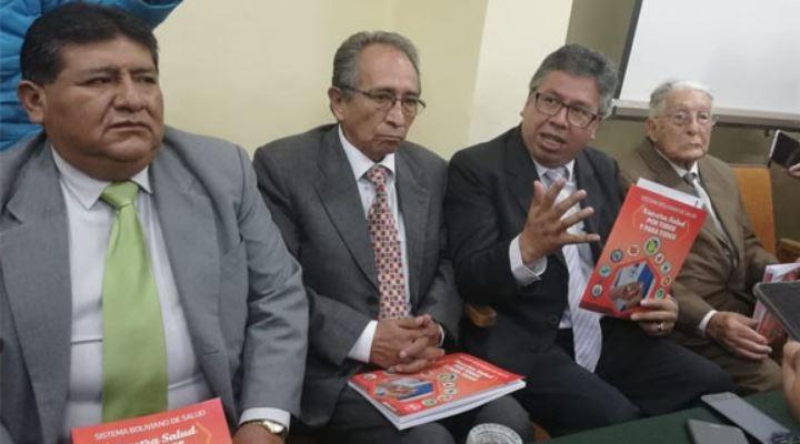 Médicos presentan Sistema Boliviano de Salud y el Gobierno ve politización