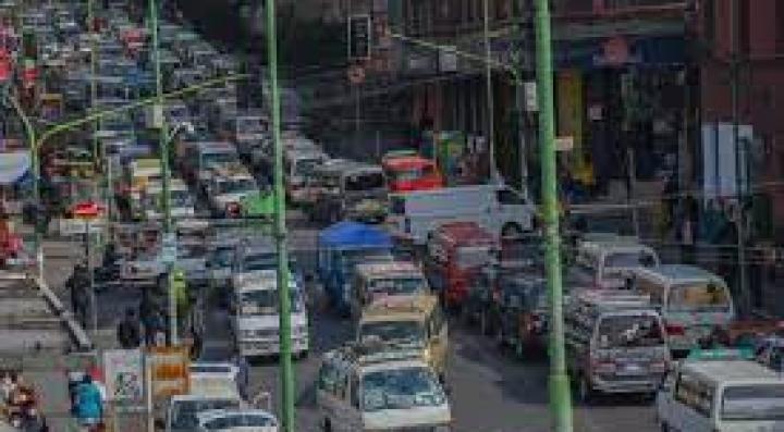 Desde enero, 3.864 nuevos vehículos engrosaron parque automotor de La Paz, en su mayoría vagonetas