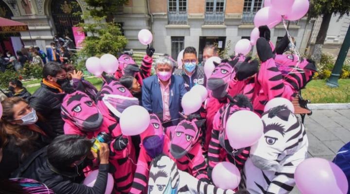 La Paz se viste de rosa para luchar contra el cáncer de mama
