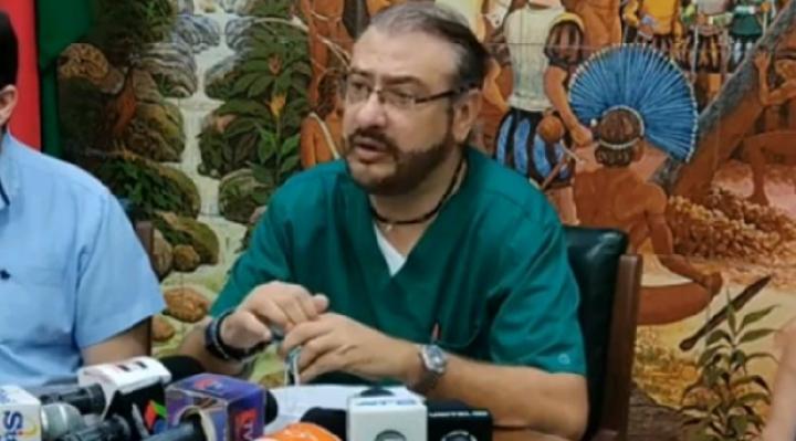"""Calvo en la polémica. En el MAS lo consideran """"cáncer para la democracia"""" y piden que se vaya del país"""