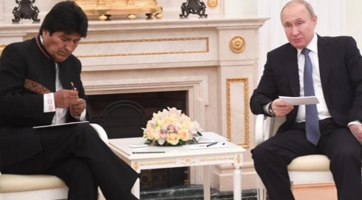 Morales y Putin firman acuerdos de cooperación en Moscú