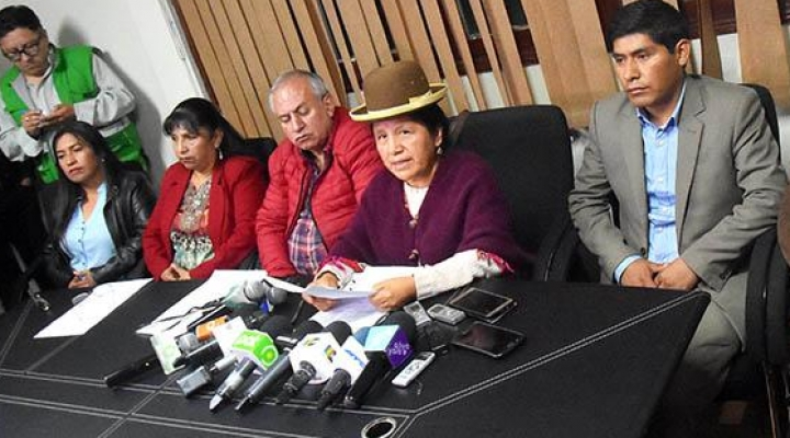 TSE elimina obligación de encabezar con mujeres las listas al Senado en por lo menos cinco departamentos