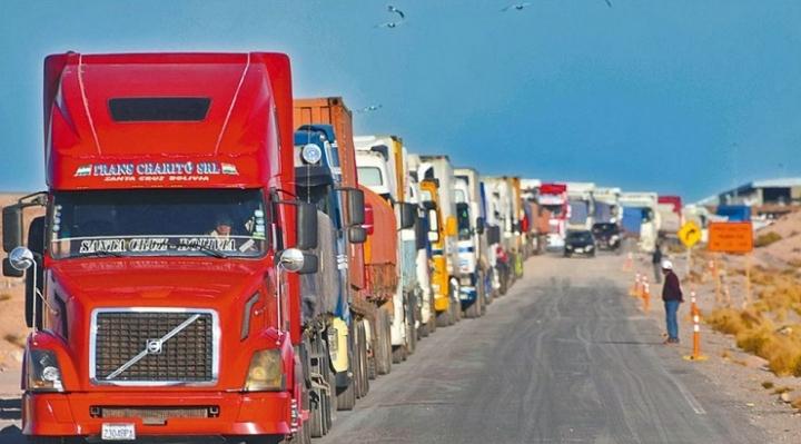 """Ante  """"preocupación"""" de transportistas, importadores y exportadores, conflicto sobre tarifas en Puerto de Arica no encuentra solución"""