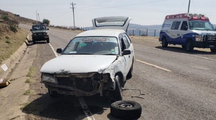 Dos periodistas fallecen en accidente carretero cerca de Sucre