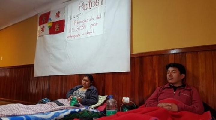 Comcipo instala huelga de hambre en Casa del Maestro de La Paz y prepara paro indefinido en Potosí para este lunes