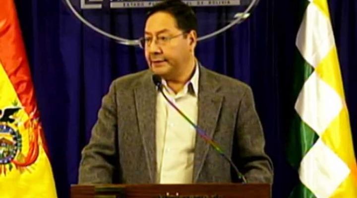 ¿Chantaje?, ministro de Economía advierte suspensión de pago de Renta Dignidad