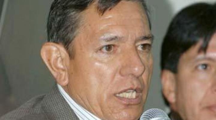 El general López, que denunció el contrabando de los 33 camiones, pide la renuncia de Morales