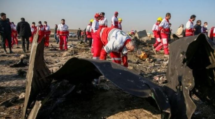 "Irán admite que derribó ""por error"" el avión Boeing 737-800 de Ukraine International"