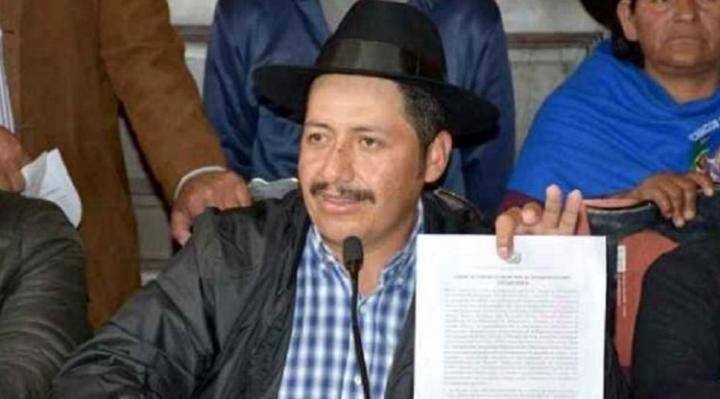 Tras anuncio, Esteban Urquizu presentó hoy renuncia irrevocable a Gobernador de Chuquisaca