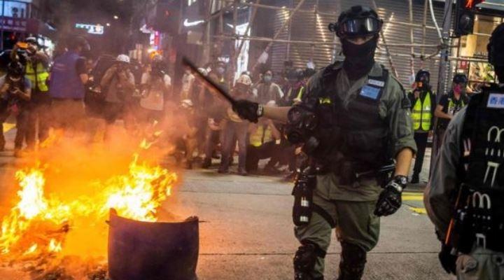 """Tensión EEUU-China: qué significa que Washington deje de considerar a Hong Kong """"políticamente autónomo"""""""