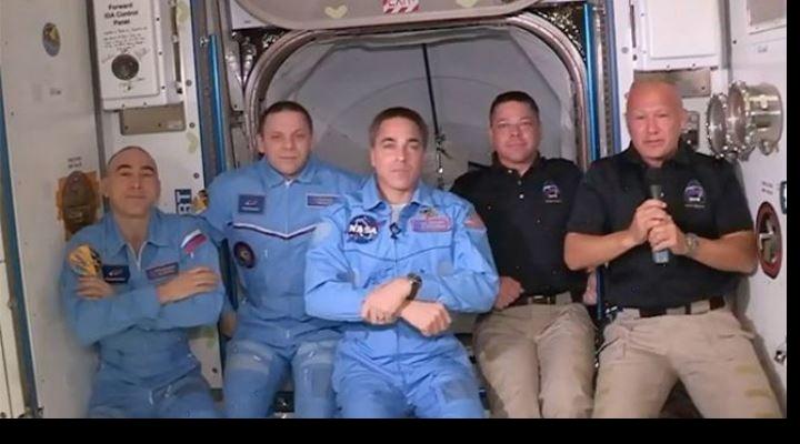 Misión de SpaceX y la NASA: los astronautas a bordo de la cápsula Crew Dragon entran con éxito en la Estación Espacial Internacional