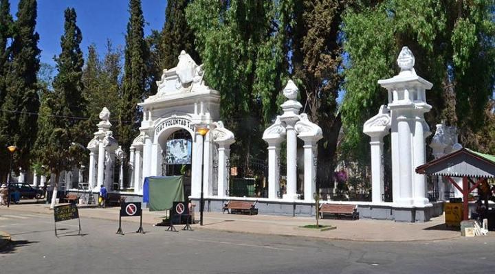 Sigue la crisis en Cochabamba, unos 30 cadáveres permanecen en las casas, algunos por varios días
