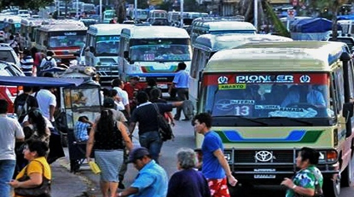 Sancionan a 221 conductores del transporte público cruceño por incumplir normas de la cuarentena dinámica