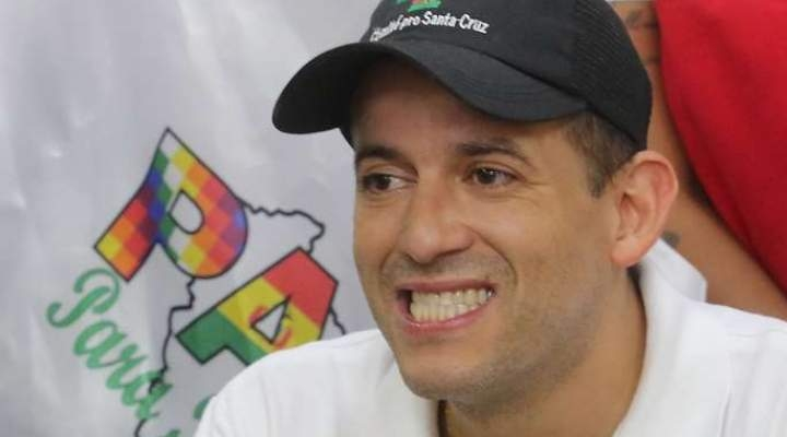 Camacho dice a Añez que si no ordena levantar los bloqueos se verá obligado a convocar al pueblo
