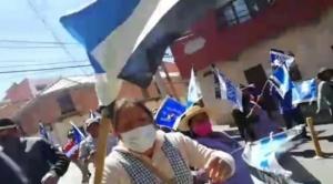 Federación de la Prensa de Chuquisaca rechaza agresión de marcha del MAS a periodista 1