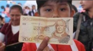 Ya se paga el bono Juancito Pinto y cinco cosas que se debe tener en cuenta