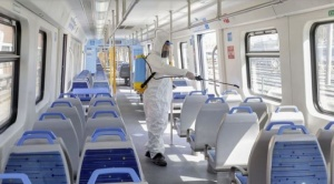 Crean nuevo desinfectante contra COVID-19 menos tóxico que la lavandina para aplicar en el transporte público