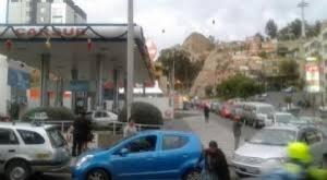 """Gobierno e YPFB piden """"tranquilidad"""", dicen que no hay desabastecimiento de carburantes"""