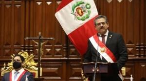 Manuel Merino juró como presidente del Perú por ocho meses