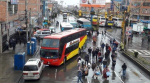 Empresas de buses bloquean Av. 6 de Marzo por presunta intención de privatización de la nueva terminal