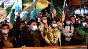 Candidatos a las subnacionales se inscriben en el TSE acompañados por sus militantes en La Paz