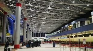 Gobierno amplía restricción de ingreso de vuelos de Europa hasta el 15 de febrero